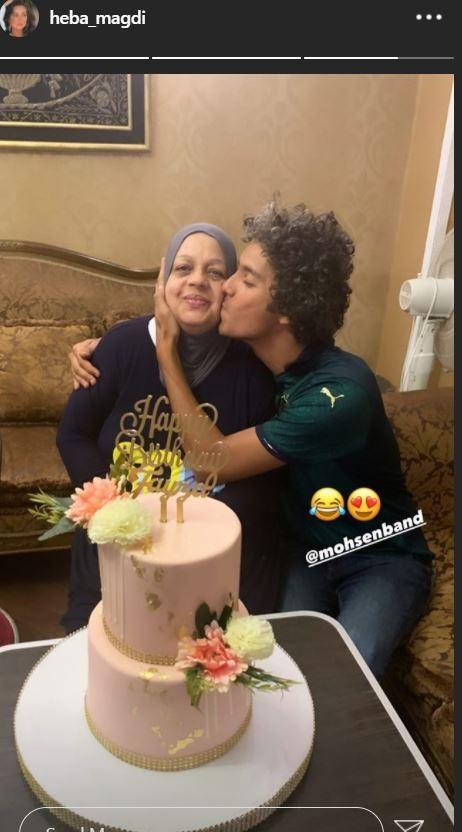 والدة هبة مجدي تحتفل بعيد ميلادها