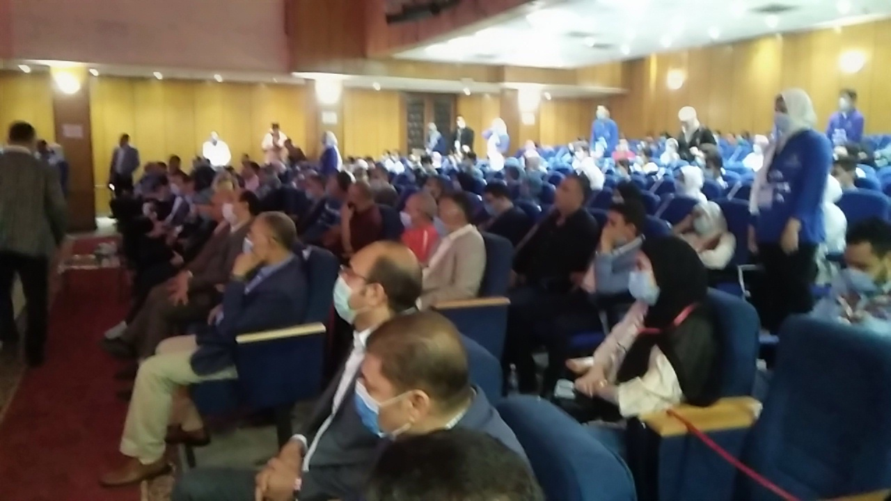 وزير الشباب يتعهد بتنظيم كأس العالم لكرة اليد بشكل يليق بمصر (3)