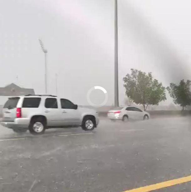 تساقط الأمطار في مكة