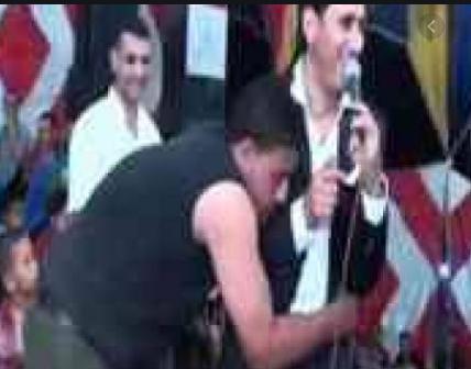احمد شيبة خلال بدايته من واحدة من أشهر حفلاته