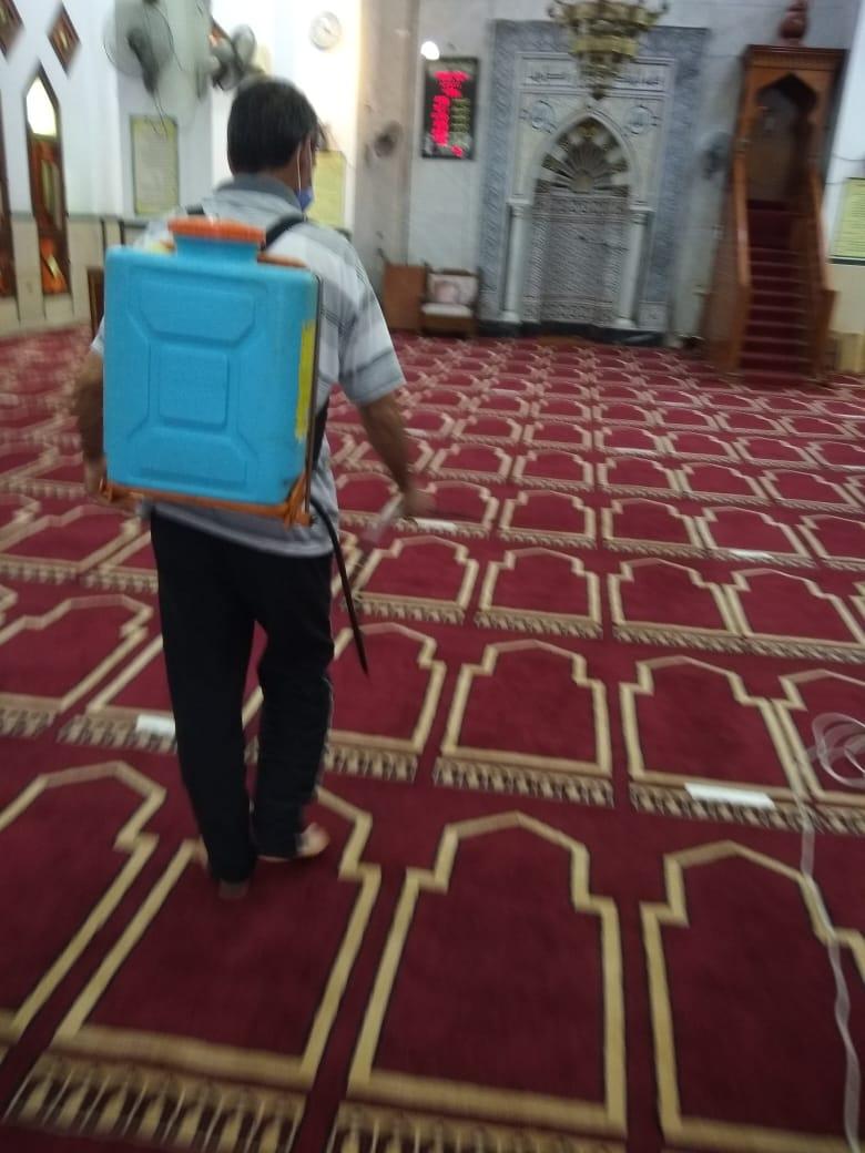 أوقاف الإسكندرية تواصل تعقيم وتطهير المساجد قبل صلاة الجمعة (1)