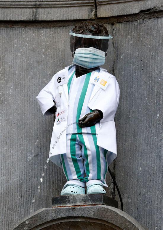 مانيكن-بيس-يرتدى-زي-الأطباء