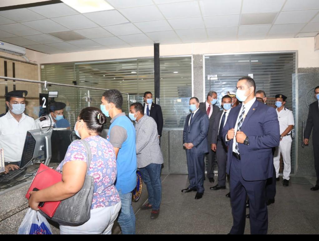 وزير الداخلية يتفقد الحالة الأمنية بالقاهرة والجيزة  (1)