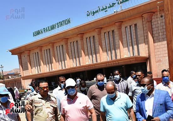 رفع-كفاءة-وتطوير-منطقة-السوق-السياحى-القديم-بأسوان-وميدان-المحطة-وحديقة-درة-النيل-(3)