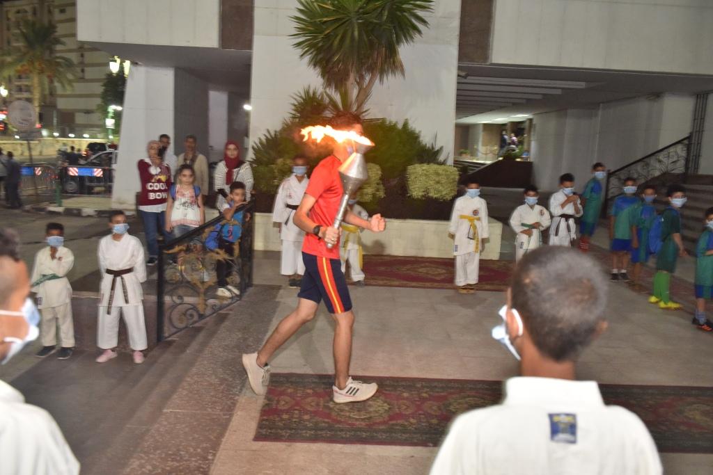 انطلاق شعلة اولمبياد الطفل المصرى باسيوط (1)