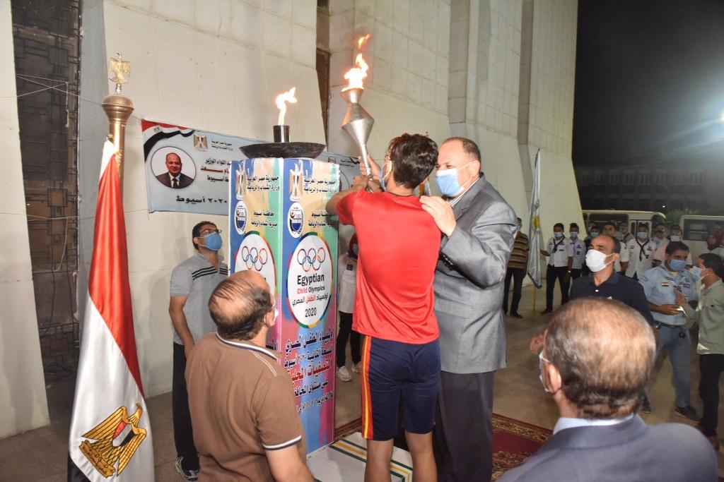 انطلاق شعلة اولمبياد الطفل المصرى باسيوط (3)
