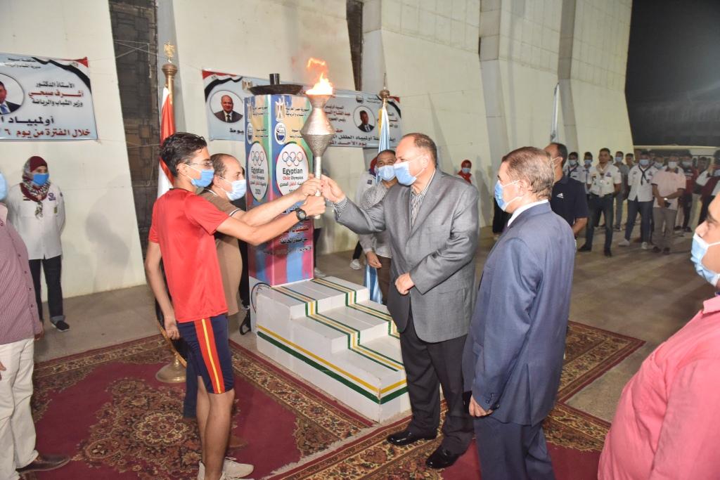 انطلاق شعلة اولمبياد الطفل المصرى باسيوط (2)