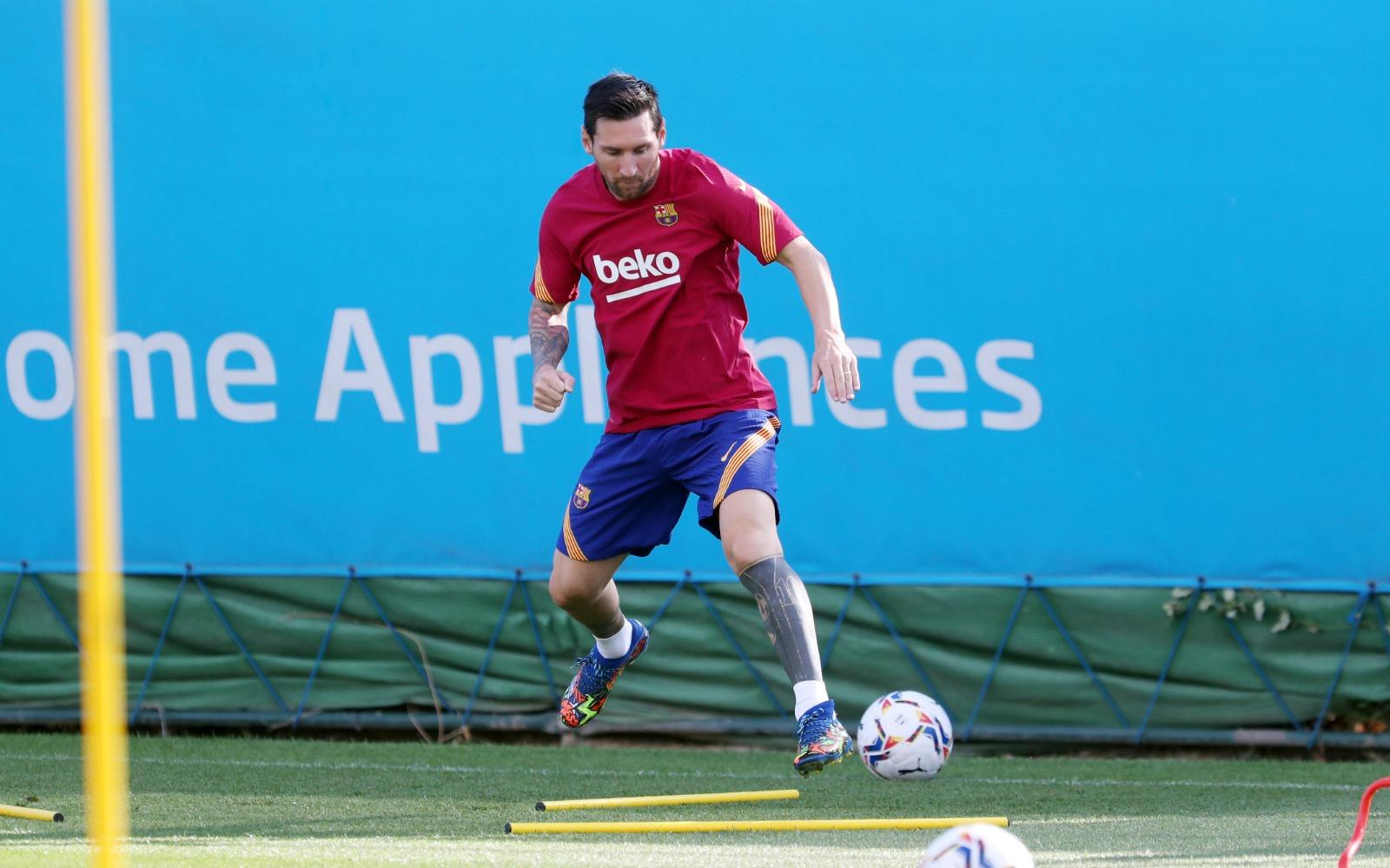 ميسي فى تدريبات برشلونة