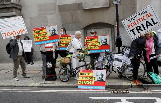 مطالبات بالإفراج عن  جوليان أسانج
