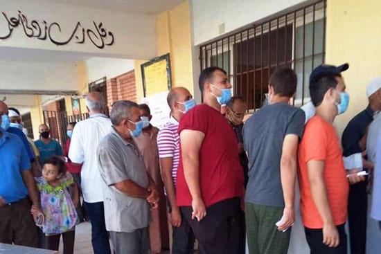 طوابير الناخبين أمام اللجان للتصويت 10