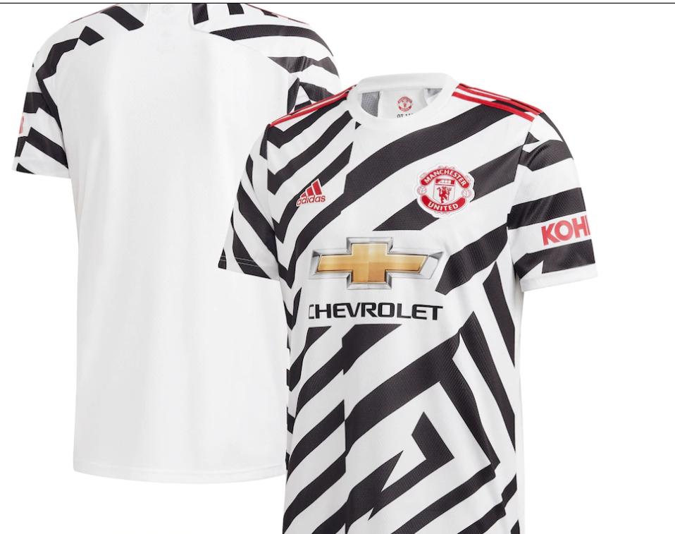 مانشستر يونايتد يطرح القميص الثالث لموسم 2021 للبيع.. صور ...