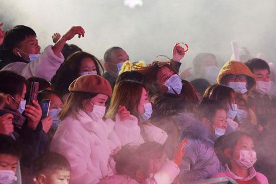 الحشود في ووهان