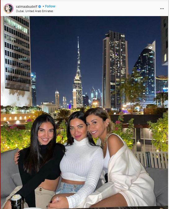 دينا الشربني في صورة من دبي