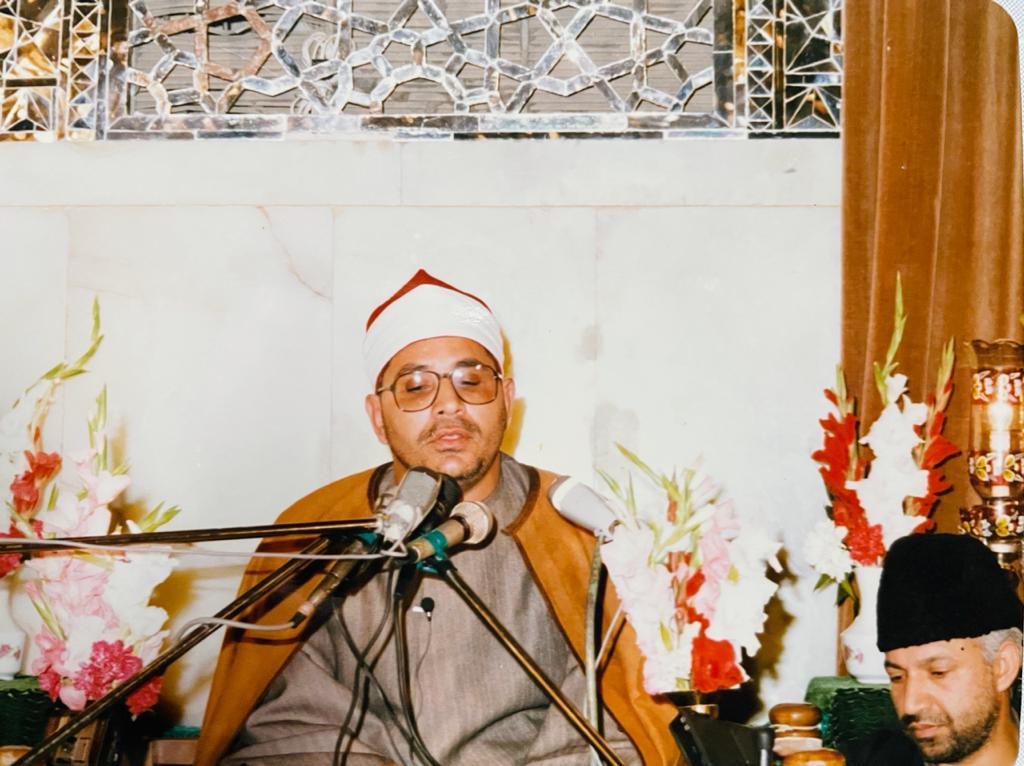 الشيخ الشحات أنور خلال تلاوته فى إحدى حفلات أندوينيسيا