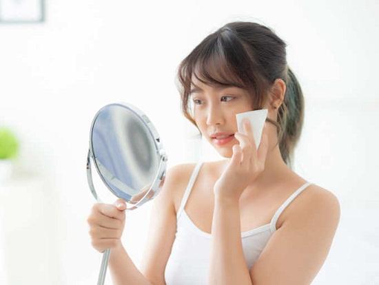 وصفات لتقشير البشرة الدهنية