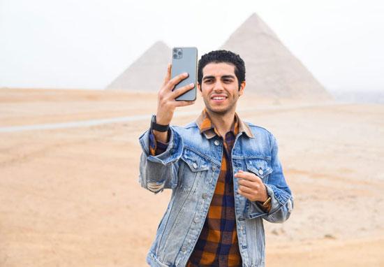 مينا مسعود يزور الأهرامات رفقة وزيرى السياحة والهجرة (2)