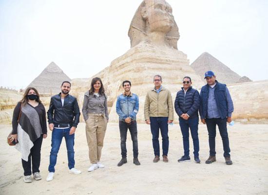 مينا مسعود يزور الأهرامات رفقة وزيرى السياحة والهجرة (4)