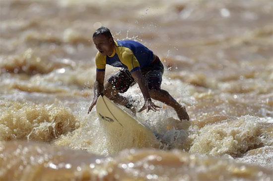 ركوب الأمواج (2)
