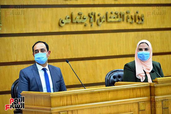 نيفين القباج وزيرة التضامن الاجتماعى (9)