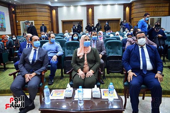 نيفين القباج وزيرة التضامن الاجتماعى (19)