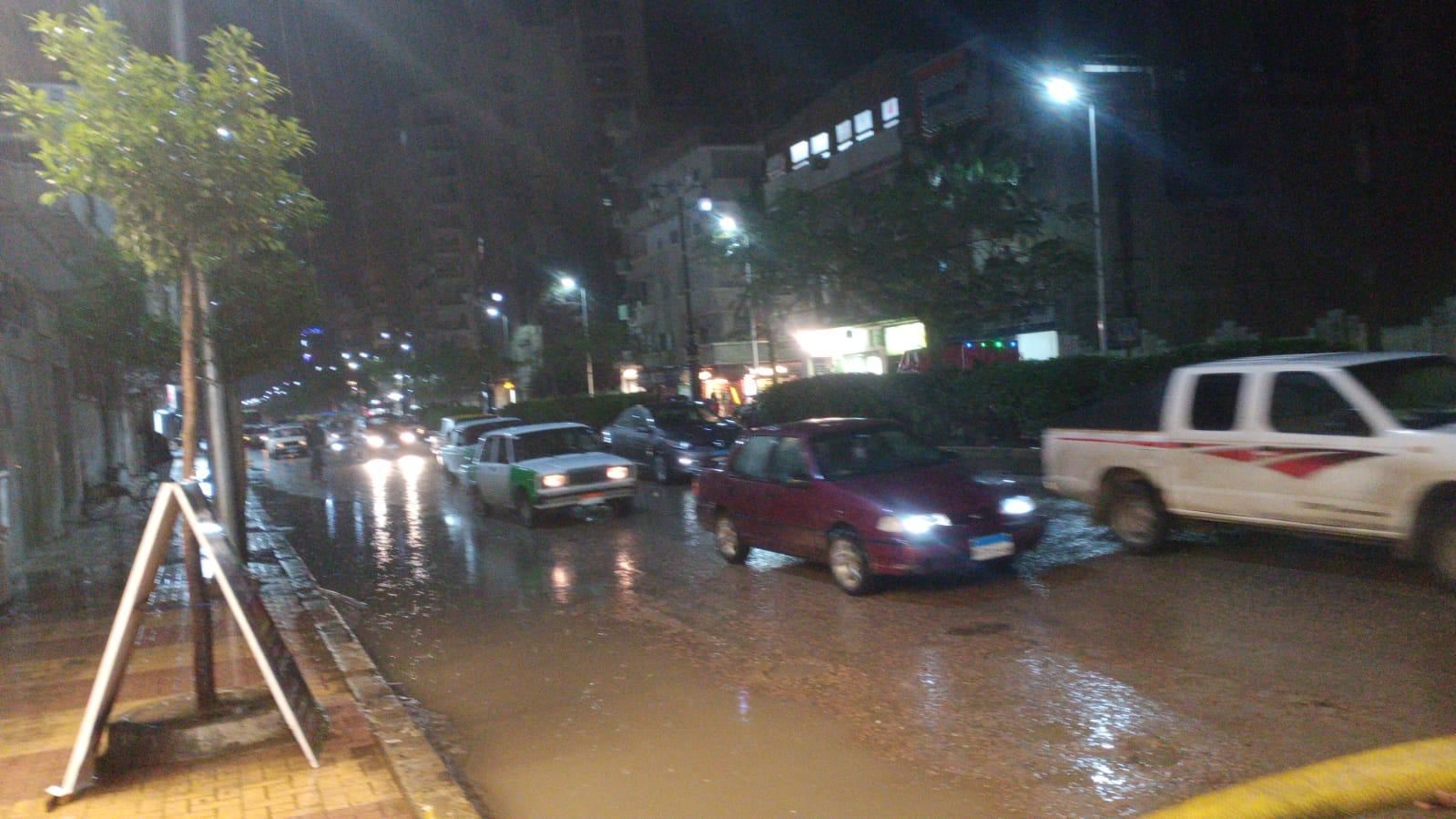 مياه الامطار بشوارع البحيرة