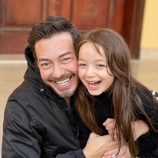 أحمد زاهر وابنته منى