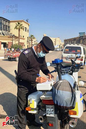 المحافظات تواصل حملات ضبط مخالفى ارتداء الكمامة وفض التجمعات والأسواق (5)
