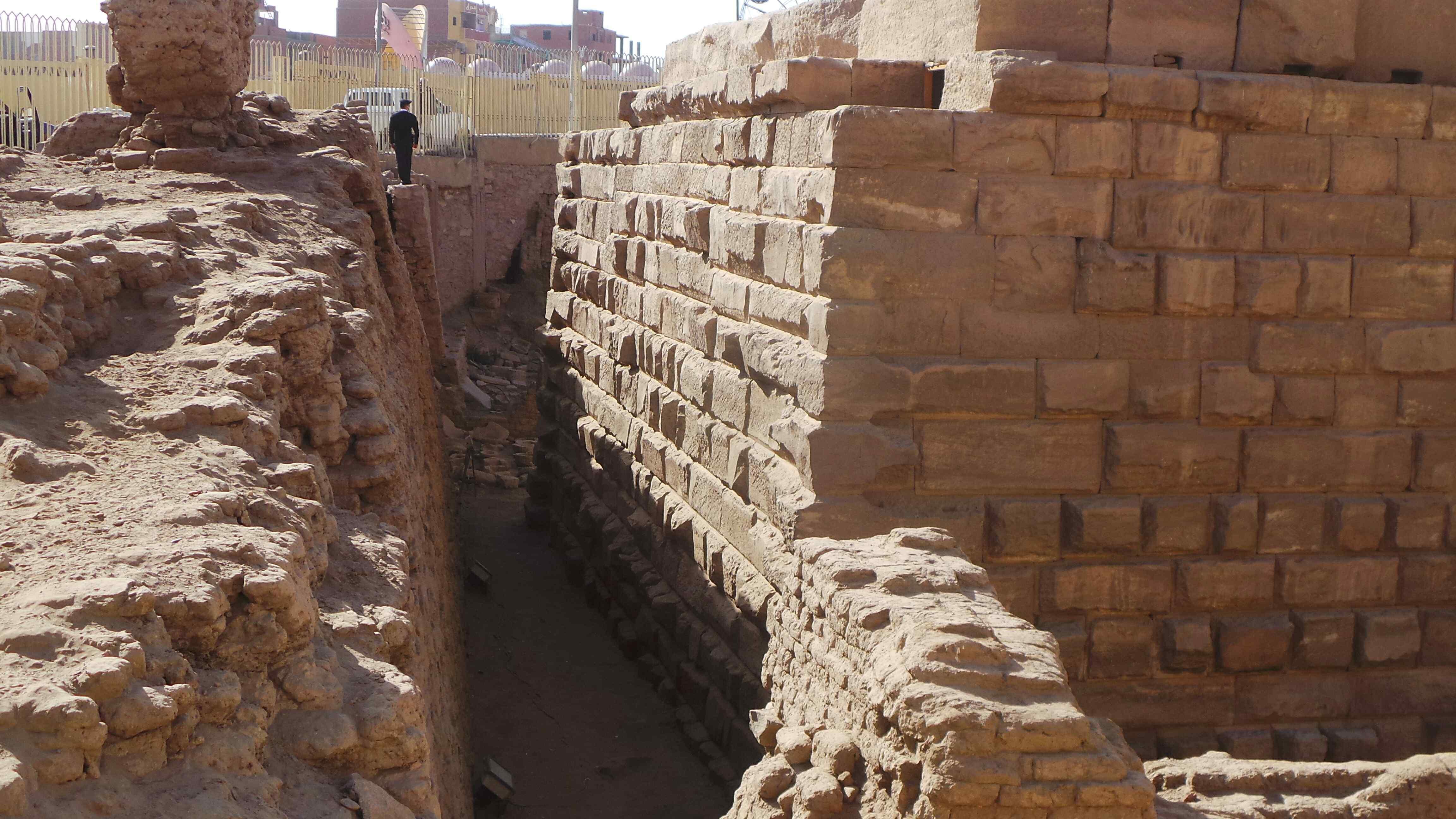 معبد إيزيس بعد افتتاحه بمناسبة عيد أسوان (2)