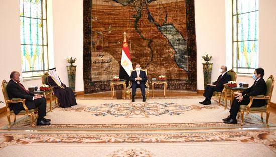 الرئيس السيسي وعادل العسومى رئيس البرلمان العربى (1)