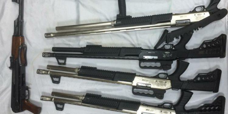 أسلحة نارية