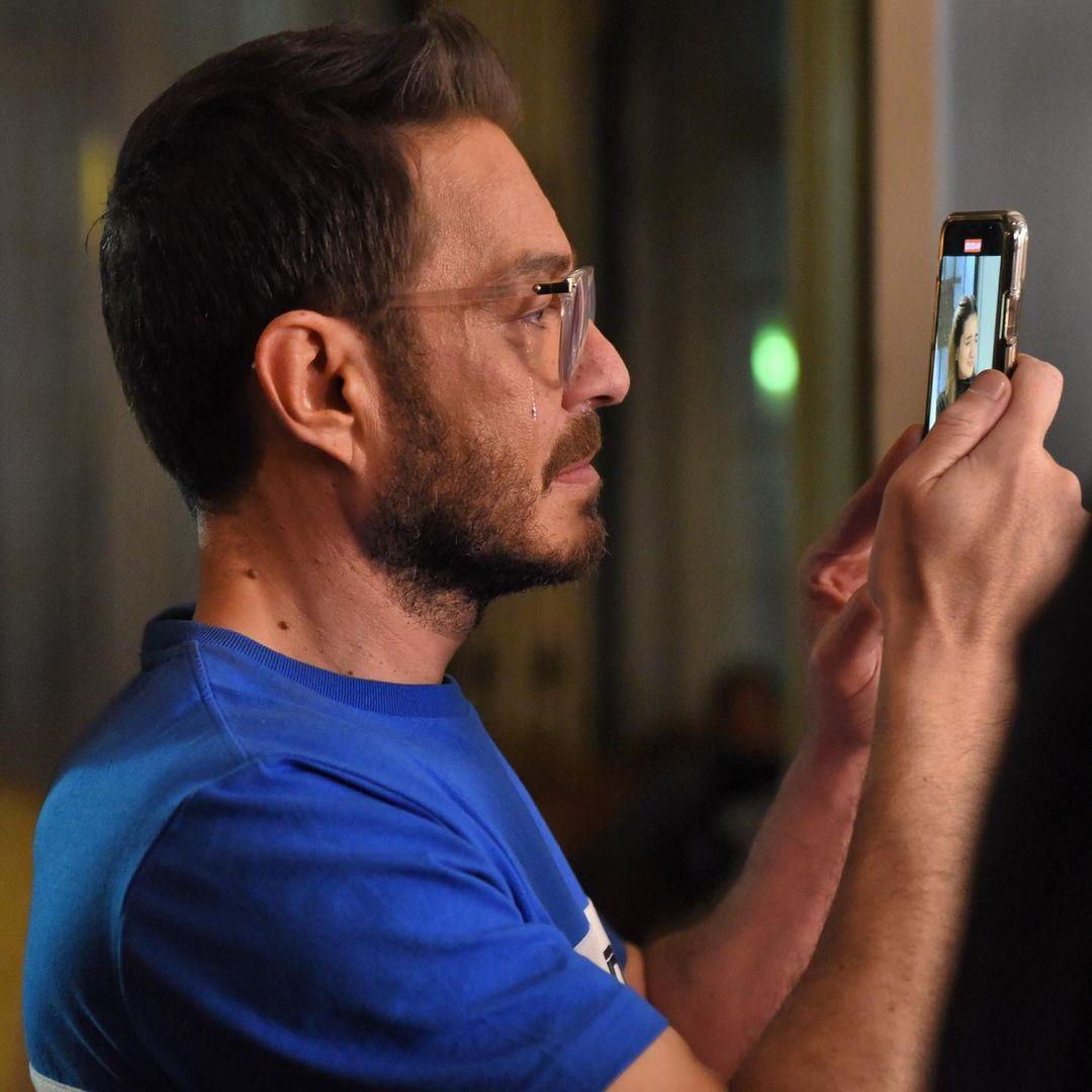 أحمد زاهر يبكى أثناء تصوير ابنته ملك