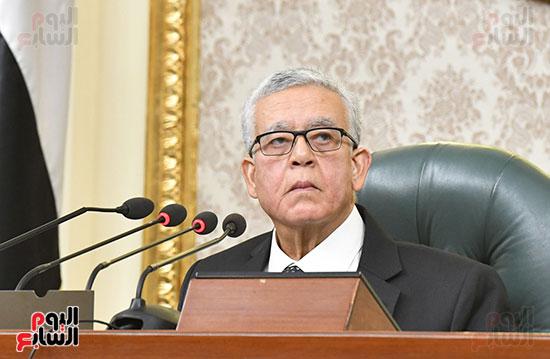 جلسه مجلس النواب - وزير التنميه المحليه (6)