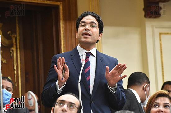 جلسه مجلس النواب - وزير التنميه المحليه (10)
