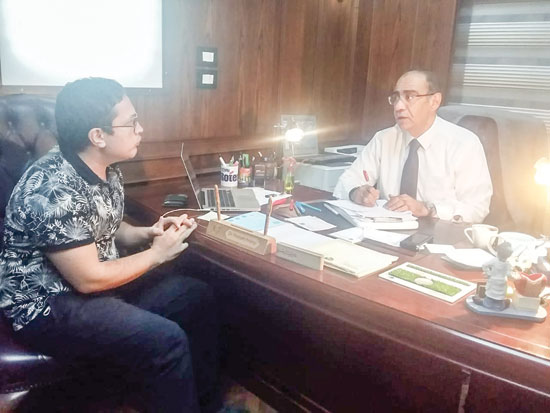 محرر اليوم السابع مع الدكتور حسام حسنى رئيس اللجنة العلمية لمكافحة كورونا
