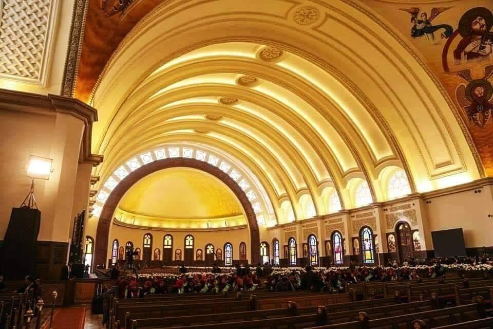 كاتدرائية ميلاد المسيح من الداخل