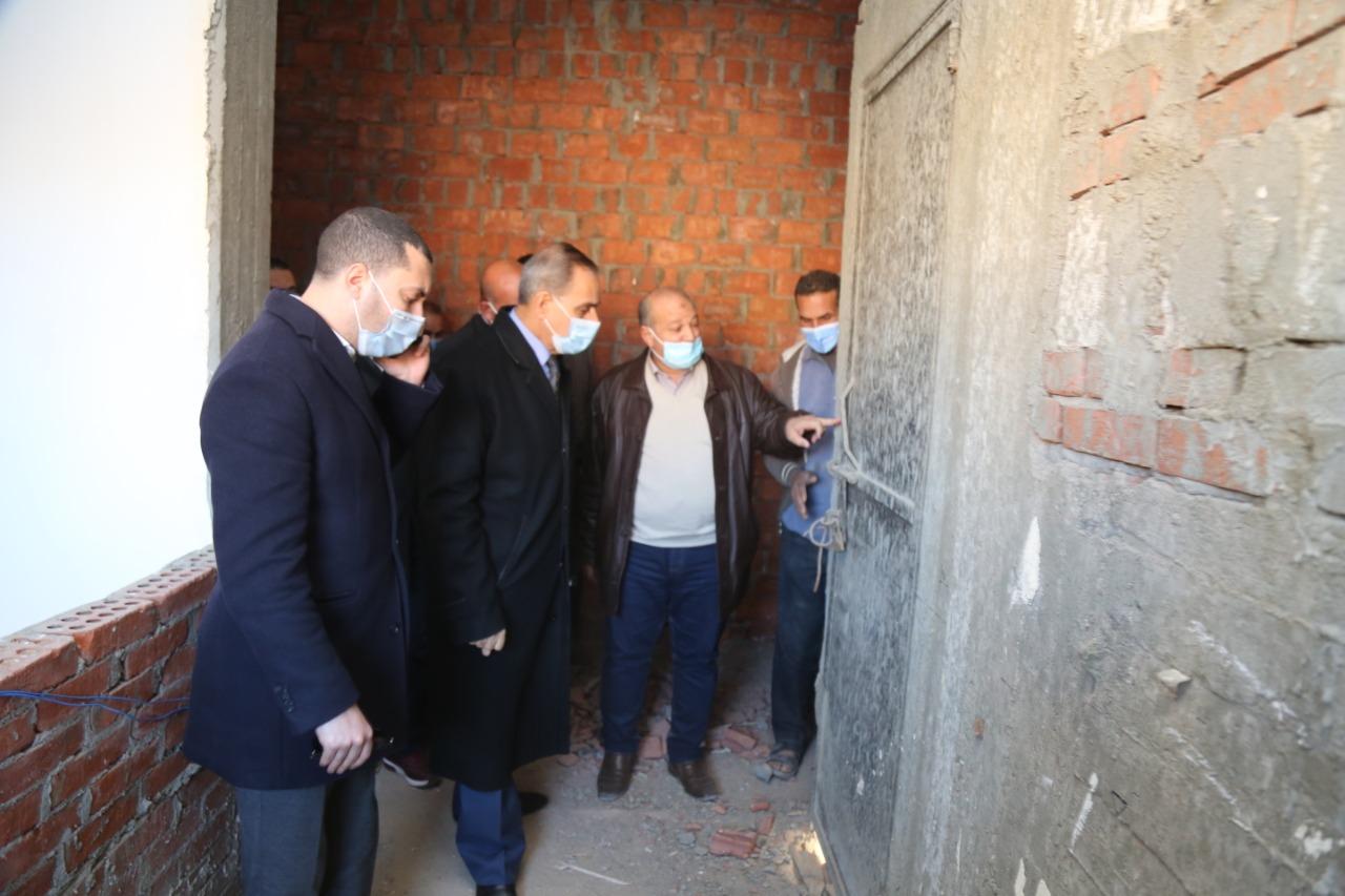 محافظ كفر الشيخ يتابع المبنى الجديد