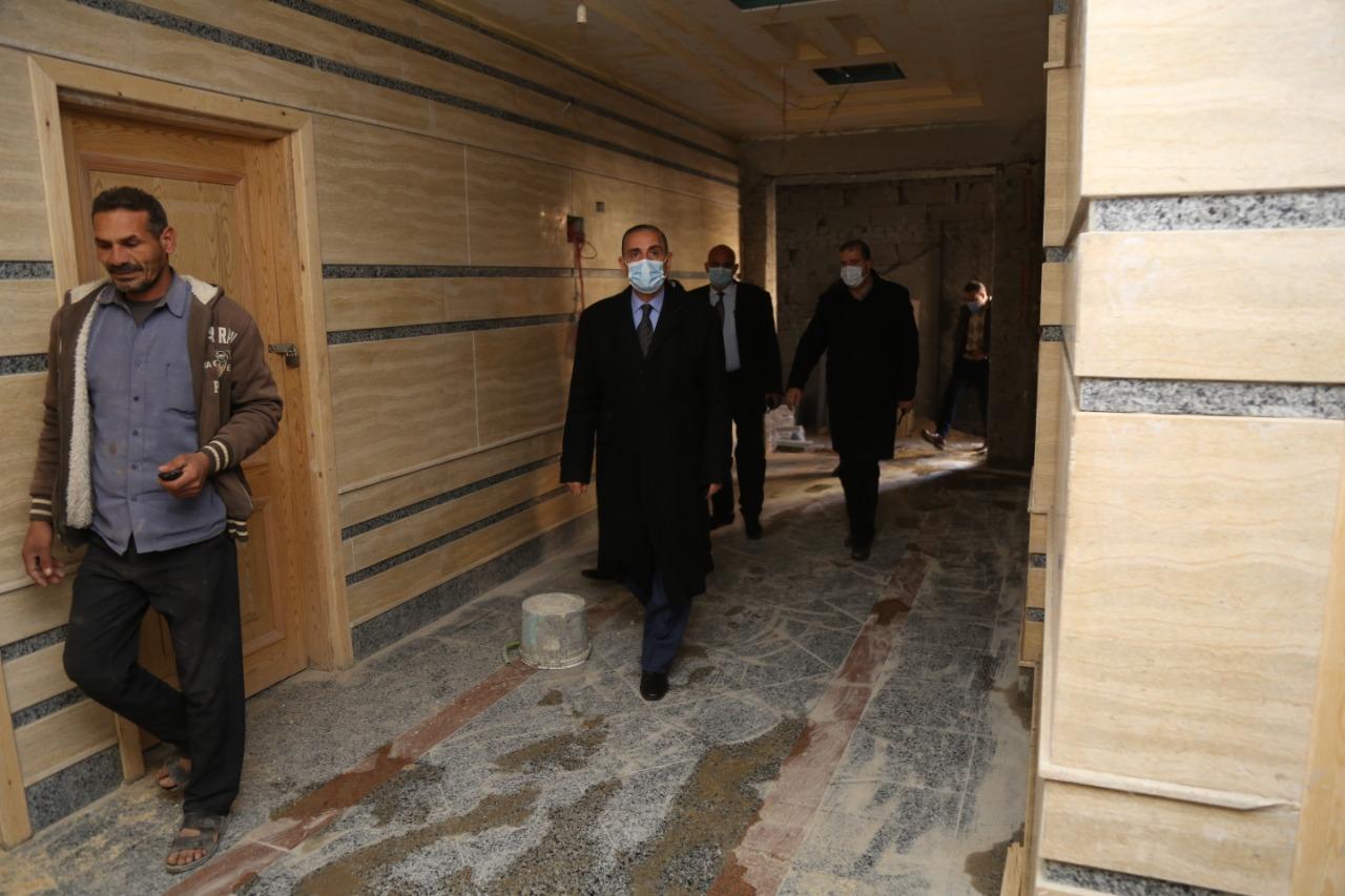 محافظ كفر الشيخ يتفقد مبنى الدرجات