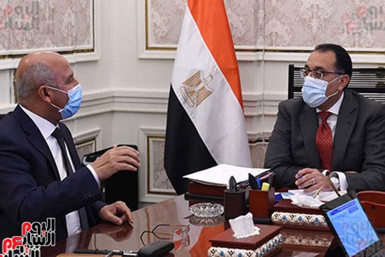 اجتماع مصطفى مدبولى وكامل الوزير (4)