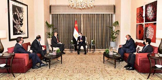 الرئيس السيسى يبحث مع رئيس وزراء الأردن تعزيز الجوانب الاقتصادية بين البلدين (2)