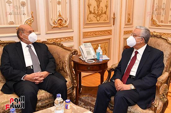 استقبال الدكتور حنفى جبالى رئيس مجلس النواب المستشار عبد الوهاب عبد الرازق رئيس مج (3)