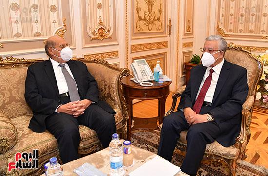 استقبال الدكتور حنفى جبالى رئيس مجلس النواب المستشار عبد الوهاب عبد الرازق رئيس مج (4)