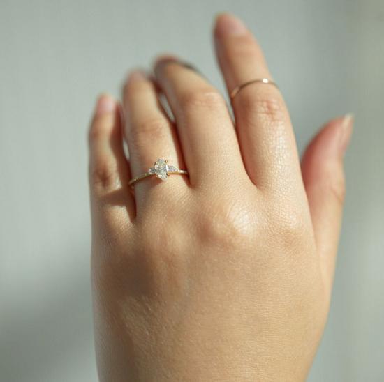 خاتم بلانكا مونروس غوميز كورالي سوليتير (5200 دولار)