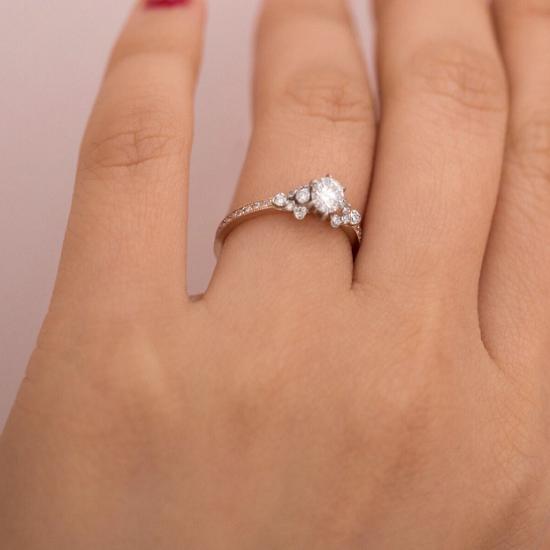 خاتم Kataoka Japanese Rose Ring (6180 دولارًا)