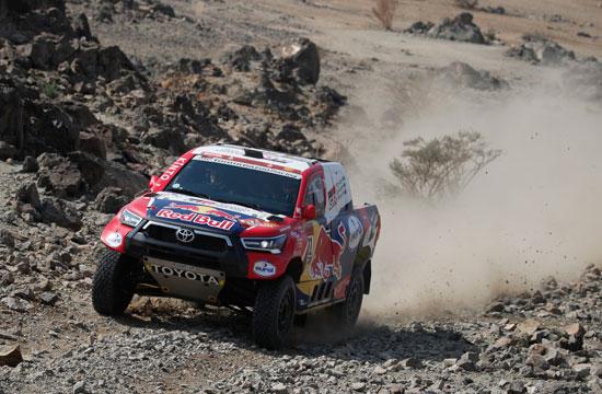سيارة مشاركة في الرالي