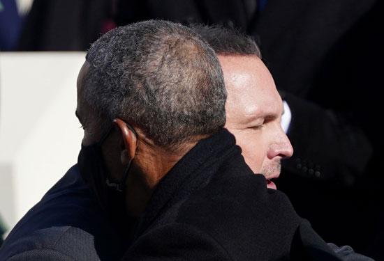 الفنان الأمريكى جارث بروكس مع أوباما