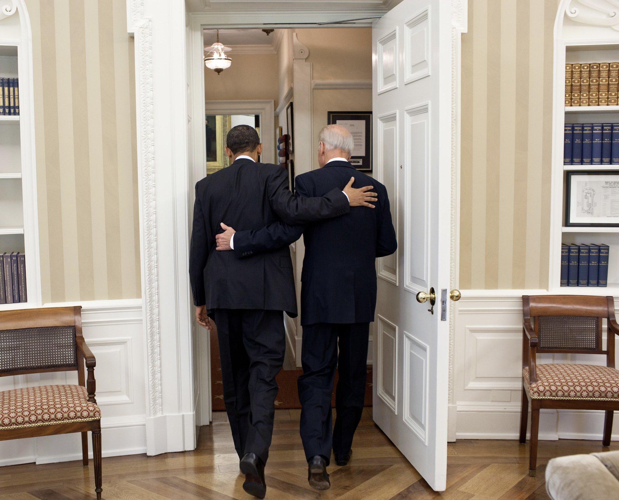 باراك اوباما وبايدن