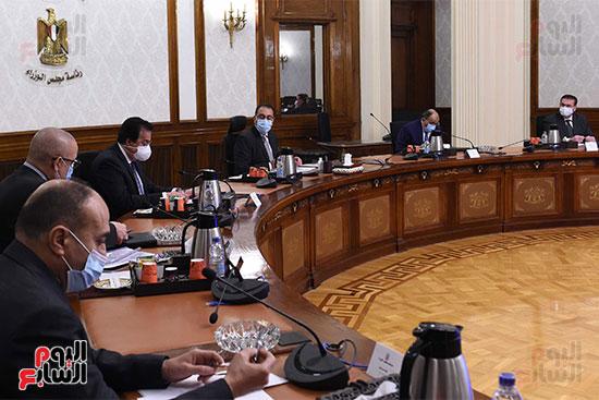 رئيس الوزراء يستعرض دور الجامعات ونقابة المهندسين في تطبيق منظومة الاشتراطات البنائي (3)