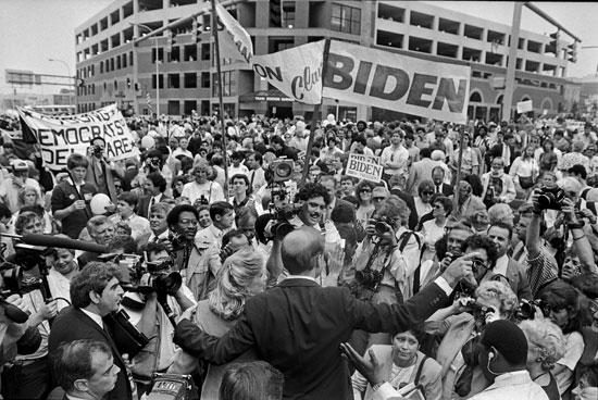 بايدن-أقناء-إطلاق-محاولته-الرئاسية-الأولى-عام-1987