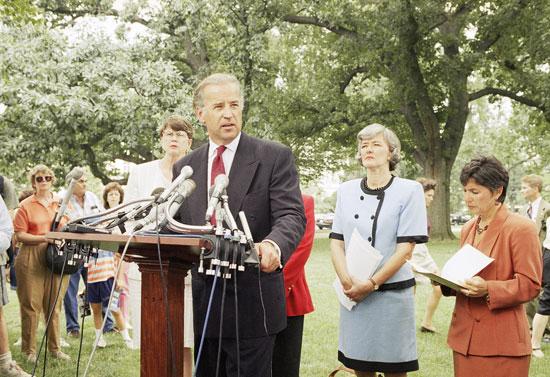بايدن-عام-1994