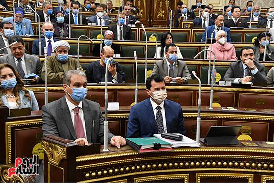 وزيرا الرياضة وشئون المجاسل النيابية فى جلسة مجلس النواب